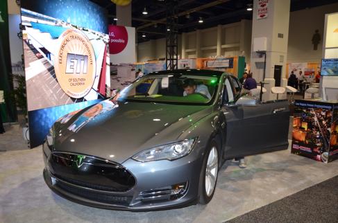 SPI 2014 EV Tesla 1